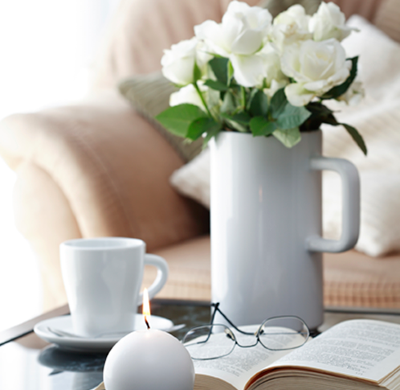 flowers-on-coffee-table_sm